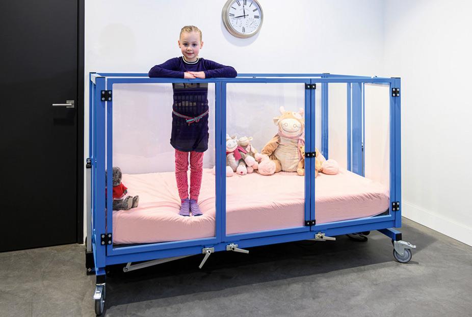 lt enfant adapté pour fauteuil roulant