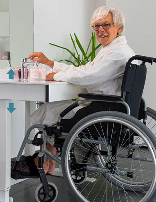 meubles adaptés pour fauteuil roulant